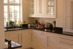 Harvey-Jones-Hand-Painted-Kitchen-Furniture